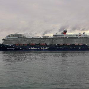 Kreuzfahrtschiff Mein Schiff 2